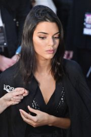 Kendall Jenner on the Backstage of Victoria's Secret Fashion Show in New York 2018/11/08 6