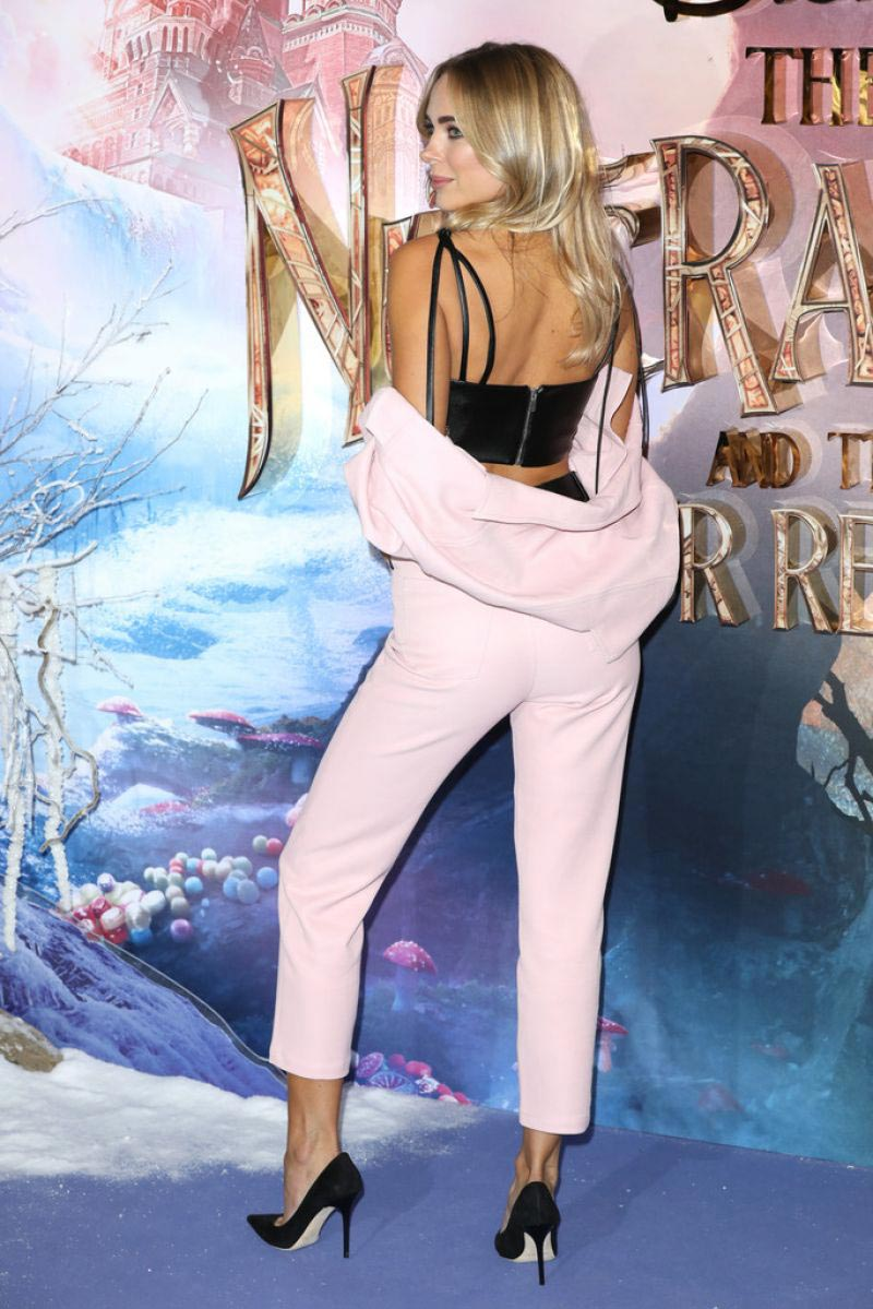 Kimberley Garner at The Nutcracker and the Four Realms Premiere in London 2018/11/01 1