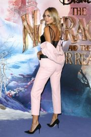 Kimberley Garner at The Nutcracker and the Four Realms Premiere in London 2018/11/01 4