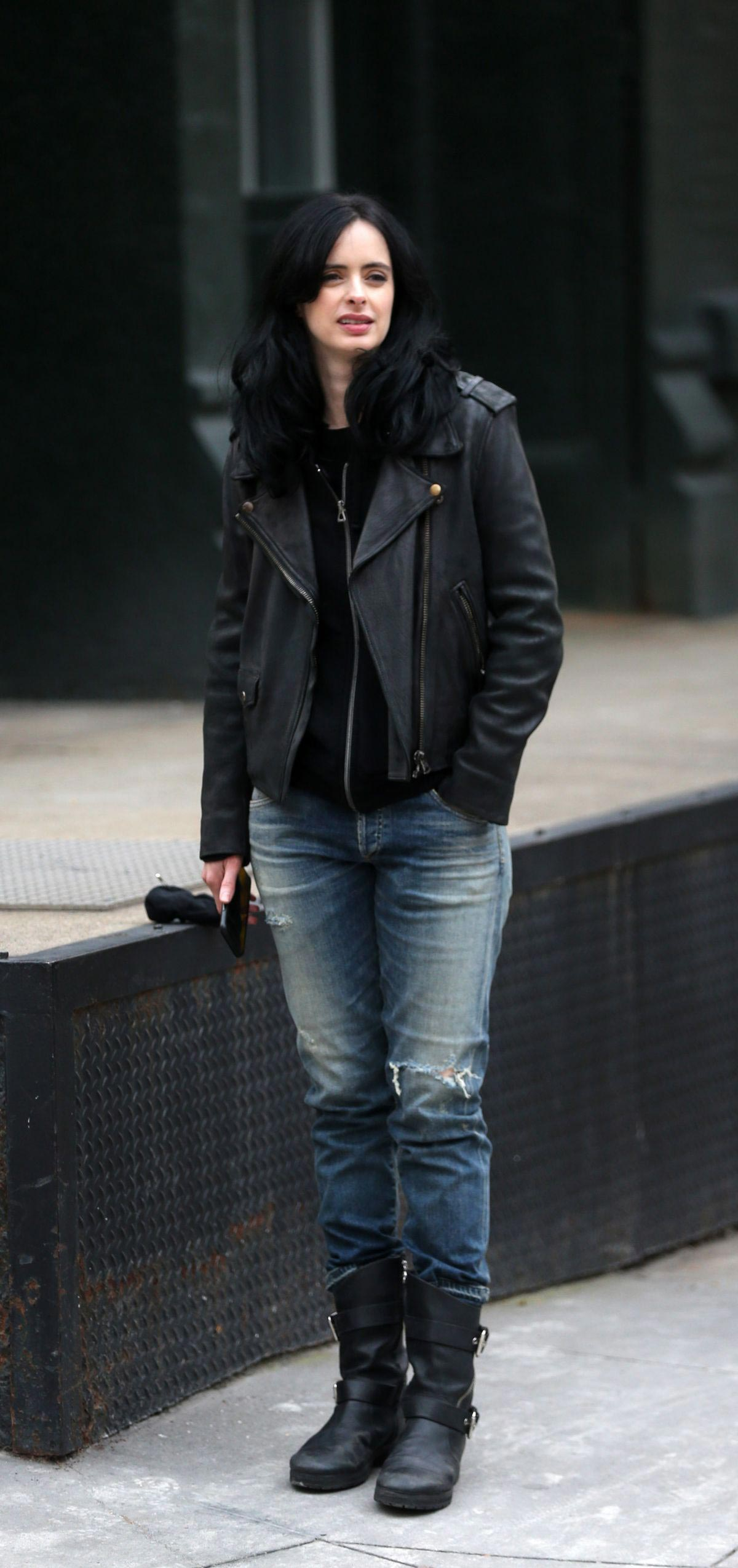 Krysten Ritter on the Set of Jessica Jones in New York 2018/11/21 1