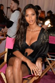 Lais Ribeiro on the Backstage of Victoria's Secret Fashion Show in New York 2018/11/08 2