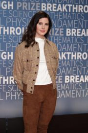 Lana Del Rey at 2019 Breakthrough Prize in Mountain View 2018/11/04 1