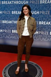 Lana Del Rey at 2019 Breakthrough Prize in Mountain View 2018/11/04 2