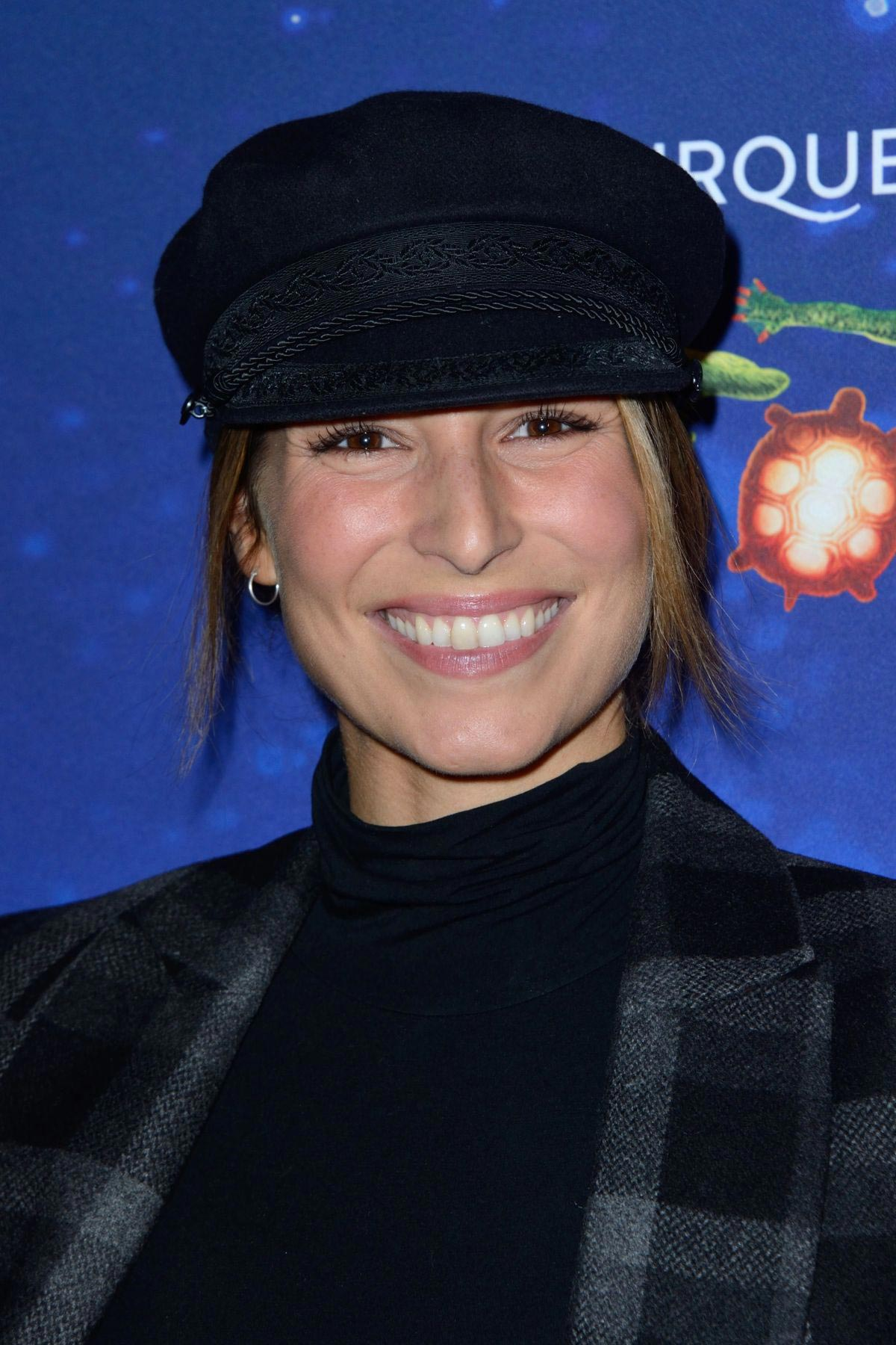 Laury Thilleman at Cirque du Soleil's show VIP Premiere in Paris 2018/10/30 1