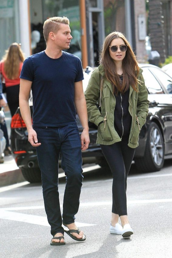 Lily Collins and Johnny Harper Out Shopping in Beverly Hills 2018/11/13 1