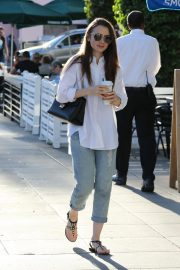 Lily Collins at a Nail Salon in Los Angeles 2018/11/26 3