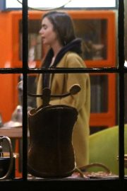 Lily Collins at Local Coffee Shop in Los Angeles 2018/11/16 3
