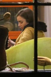 Lily Collins at Local Coffee Shop in Los Angeles 2018/11/16 5