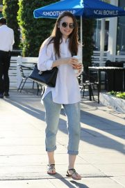 Lily Collins Leaves a Nail Salon in Los Angeles 2018/11/26 2
