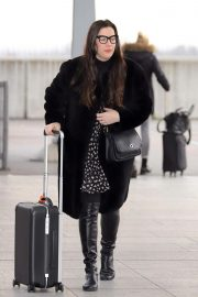 Liv Tyler at Heathrow Airport in London 2018/11/21 6