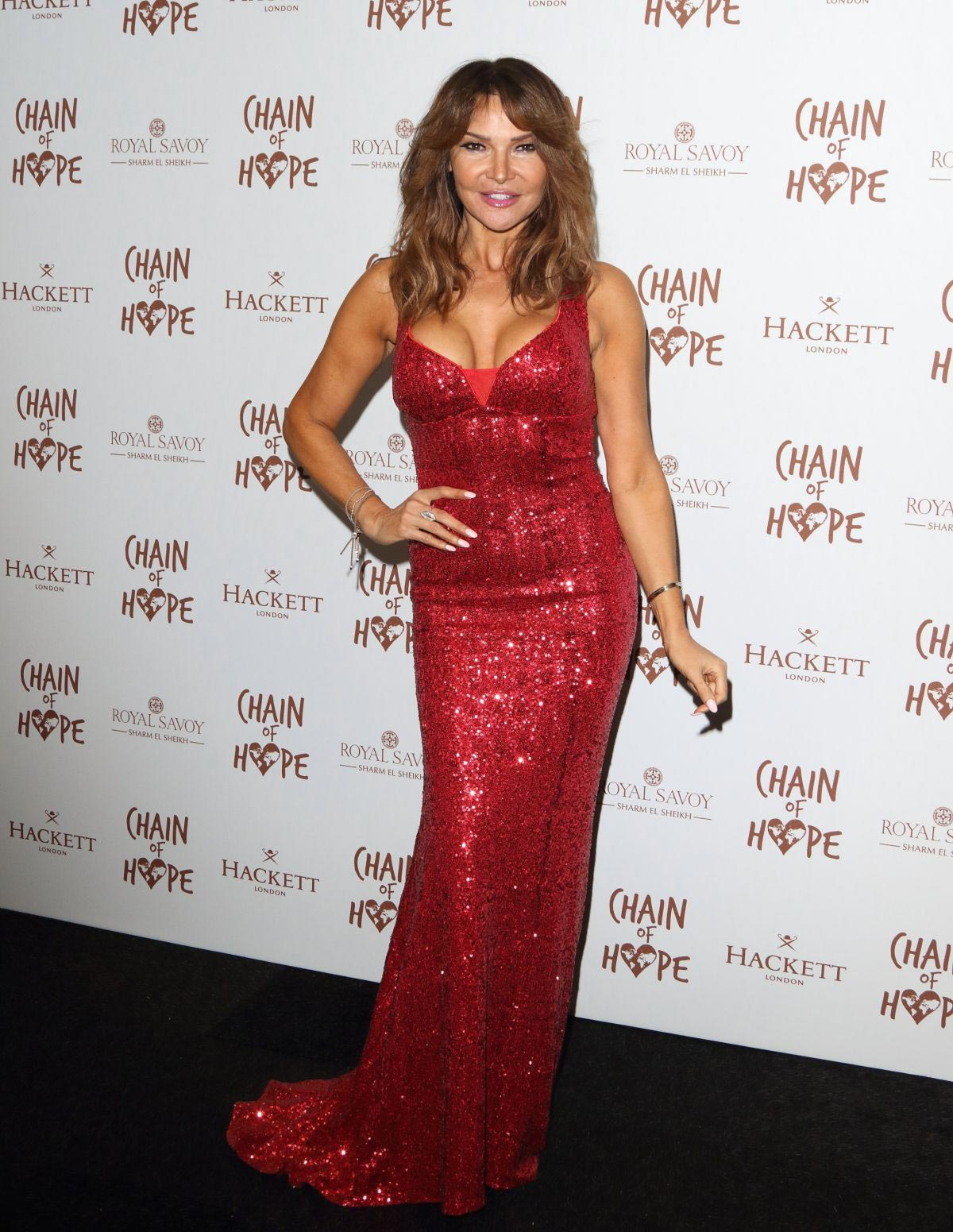 Lizzie Cundy at Chain of Hope Ball in London 2018/11/16 1