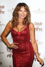 Lizzie Cundy at Chain of Hope Ball in London 2018/11/16 3