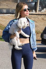Lucy Hale at a Dog Park in Los Angeles 2018/11/20 3