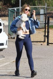 Lucy Hale at a Dog Park in Los Angeles 2018/11/20 5