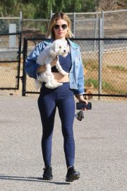 Lucy Hale at a Dog Park in Los Angeles 2018/11/20 7