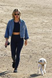 Lucy Hale at a Dog Park in Los Angeles 2018/11/20 8