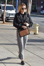 Lucy Hale Out in Studio City 2018/11/28 6