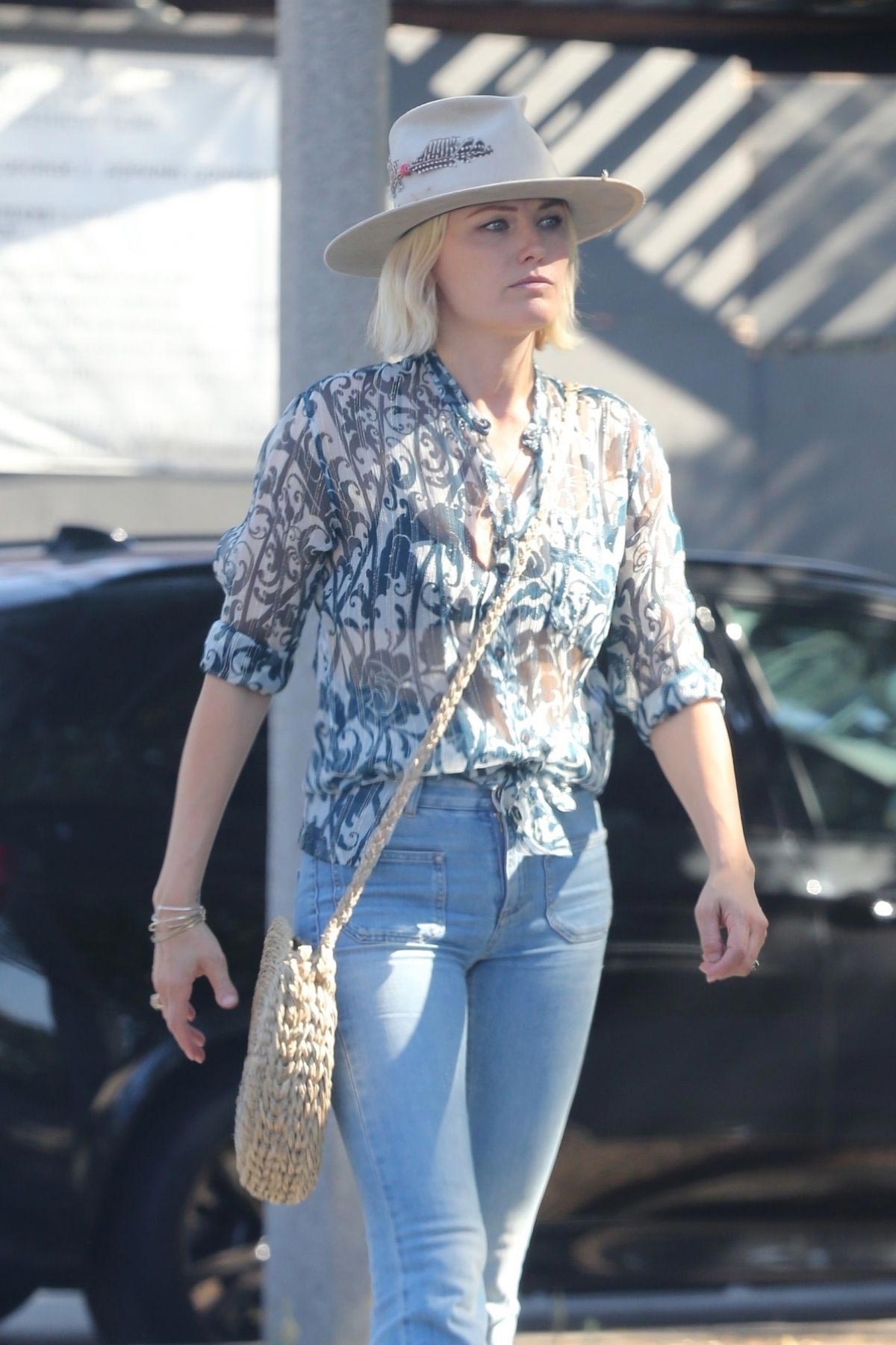 Malin Akerman Out for Lunch in Hollywood 2018/11/05 1
