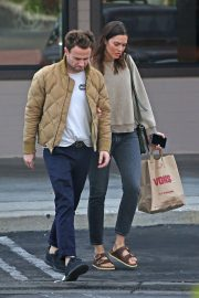 Mandy Moore and Ryan Adams Out Shopping in Los Angeles 2018/11/25 2
