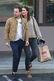 Mandy Moore and Ryan Adams Out Shopping in Los Angeles 2018/11/25 7