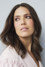 Mandy Moore at Photoshoot for Bustle 2018 9