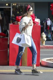 Mandy Moore Out Shopping in Los Angeles 2018/11/24 4