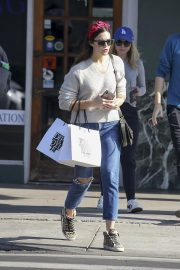Mandy Moore Out Shopping in Los Angeles 2018/11/24 9