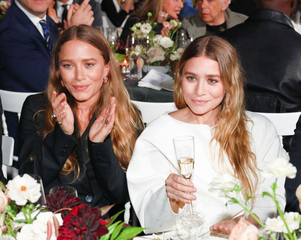 Mary-Kate Olsen and Ashley Olsen at WSJ Magazine Innovator Awards in New York 2018/11/07 1