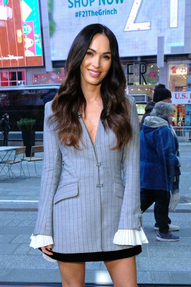 Megan Fox on the Set of Extra in New York 2018/11/28 1