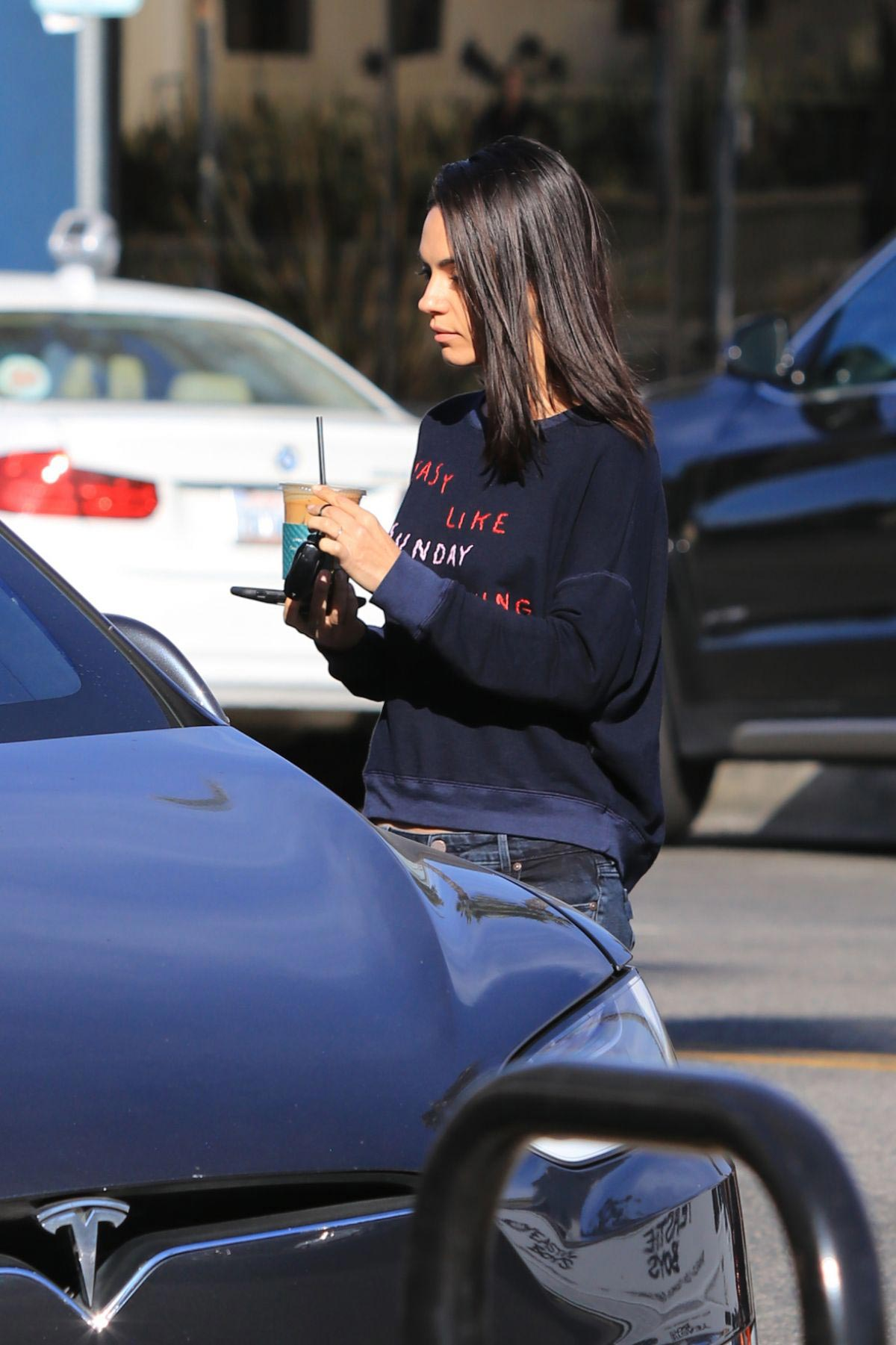 Mila Kunis Out for Coffee in Studio City 2018/11/27 1