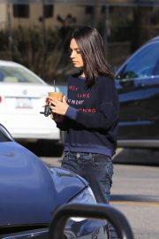 Mila Kunis Out for Coffee in Studio City 2018/11/27 3