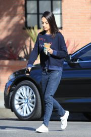 Mila Kunis Out for Coffee in Studio City 2018/11/27 8