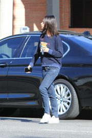 Mila Kunis Out for Coffee in Studio City 2018/11/27 10