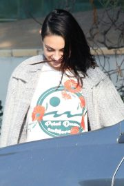 Mila Kunis Out for Lunch in Los Angeles 2018/11/16 7