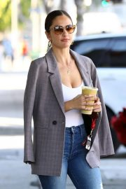 Minka Kelly Out for Smoothie in Los Angeles 2018/11/14 2