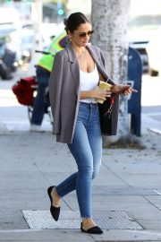 Minka Kelly Out for Smoothie in Los Angeles 2018/11/14 3