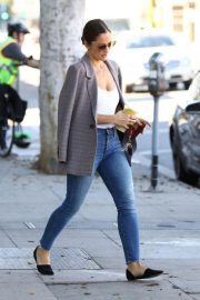 Minka Kelly Out for Smoothie in Los Angeles 2018/11/14 4