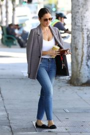 Minka Kelly Out for Smoothie in Los Angeles 2018/11/14 7