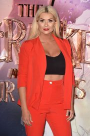 Nicola McLean at The Nutcracker and the Four Realms Premiere in London 2018/11/01 4