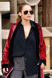 Nicole Richie Out and About in Los Angeles 2018/11/19 2