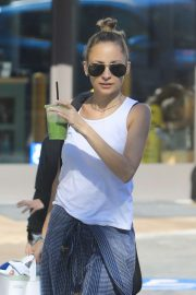Nicole Richie Out Shopping in Beverly Hills 2018/11/03 2