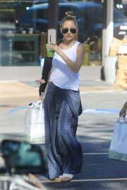 Nicole Richie Out Shopping in Beverly Hills 2018/11/03 3