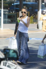 Nicole Richie Out Shopping in Beverly Hills 2018/11/03 4