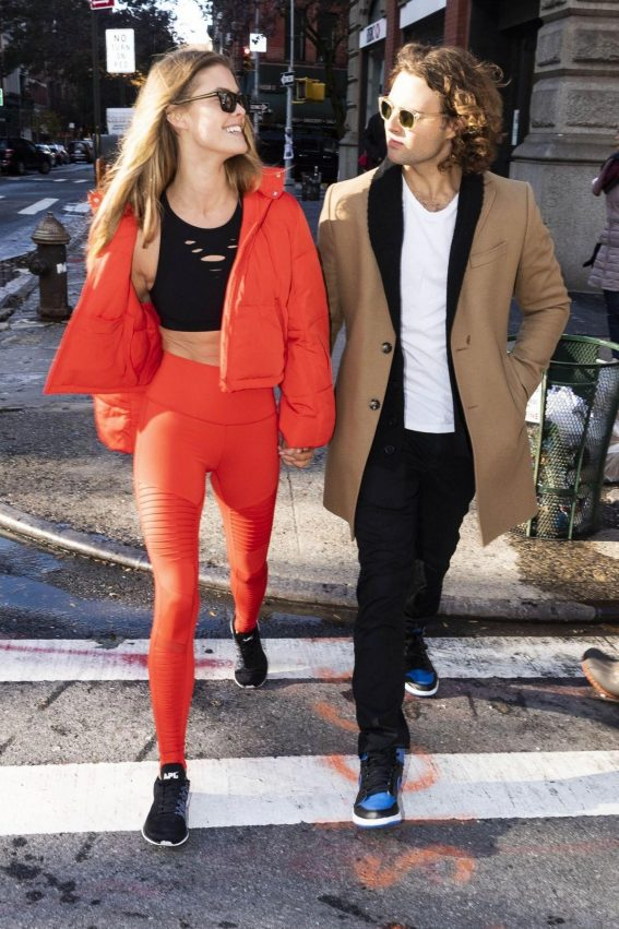 Nina Agdal and Jack Brinkley-Cook Out in New York 2018/11/16 1