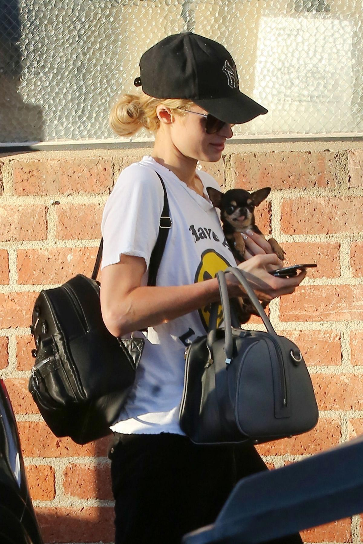 Paris Hilton Arrives for a Dentist Appointment in Los Angeles 2018/11/26 1