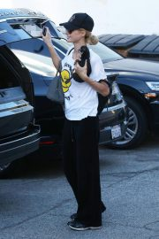 Paris Hilton Arrives for a Dentist Appointment in Los Angeles 2018/11/26 4