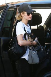 Paris Hilton Arrives for a Dentist Appointment in Los Angeles 2018/11/26 10