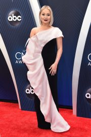 RaeLynn at 2018 CMA Awards in Nashville 2018/11/14 3