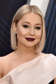 RaeLynn at 2018 CMA Awards in Nashville 2018/11/14 5