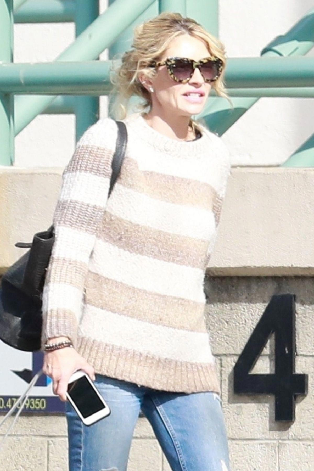 Rebecca Gayheart Out and About in Studio City 2018/11/17 1